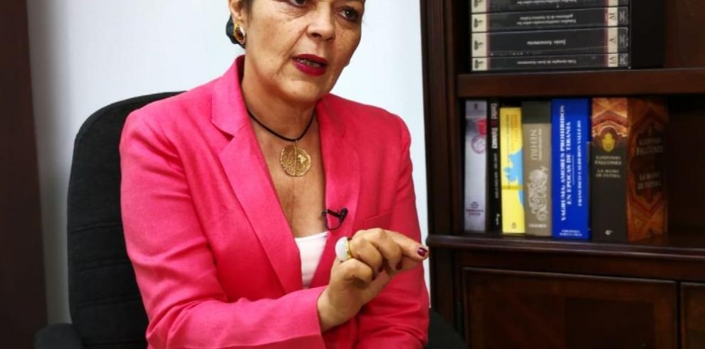 Glivania María de Oliveira: 'atender el magisterio es una tarea primordial en toda sociedad'
