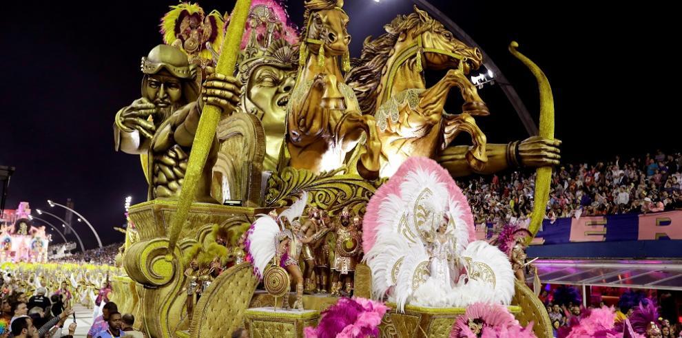 Los orígenes de Brasil en el sambódromo de Sao Paulo