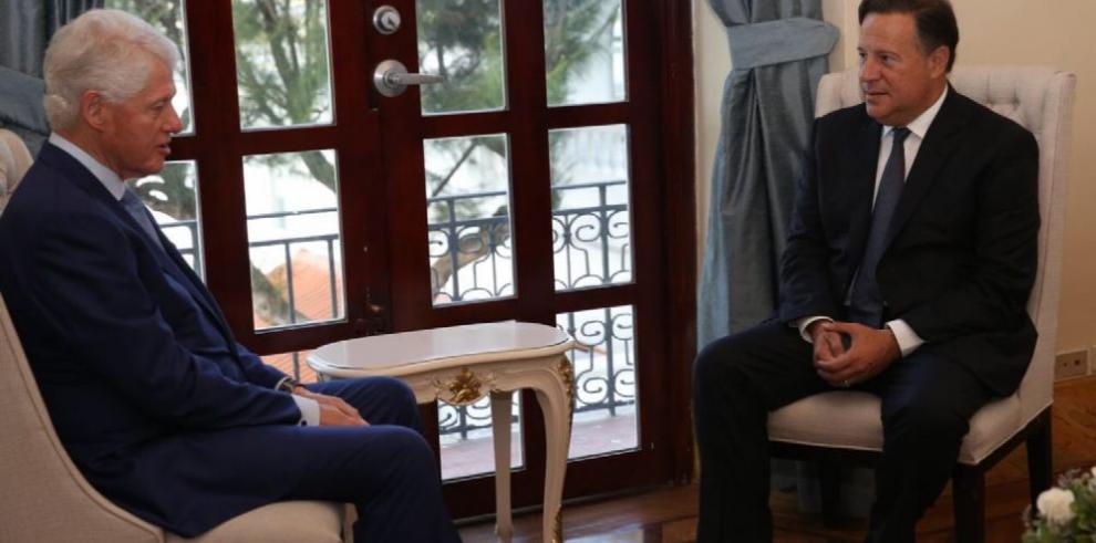 'Bill' Clinton, invitado en el Palacio de Las Garzas