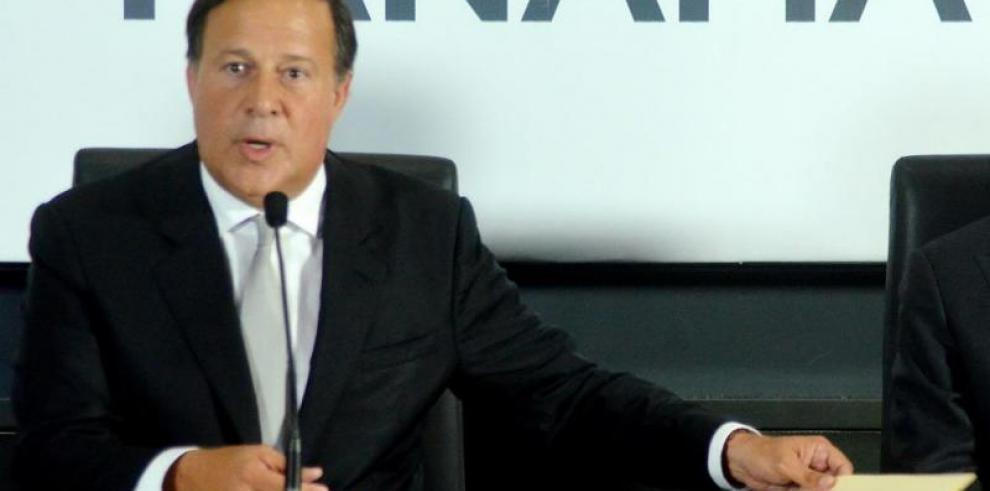 Varela firma decreto que amplía beneficios del Bono Solidario