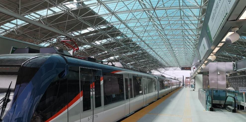 El Metro de Panamá reinicia el servicio de operaciones