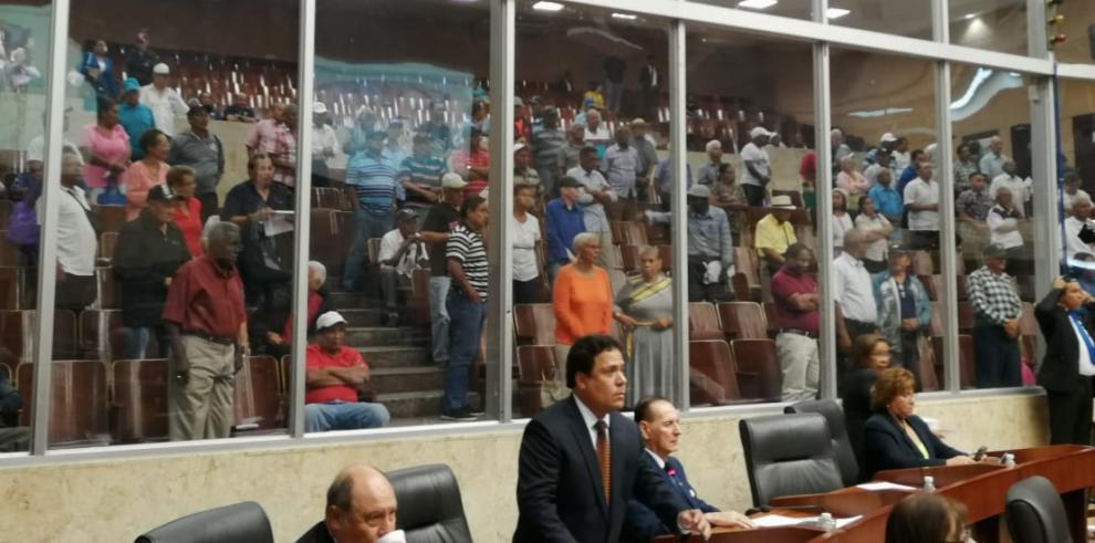 Asamblea aprobó proyecto de ley que crea bono para pensionados y jubilados