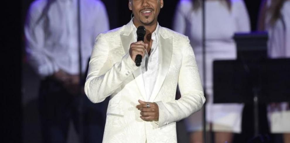 El cantante Romeo Santos lamenta ataque contra el expelotero David Ortiz