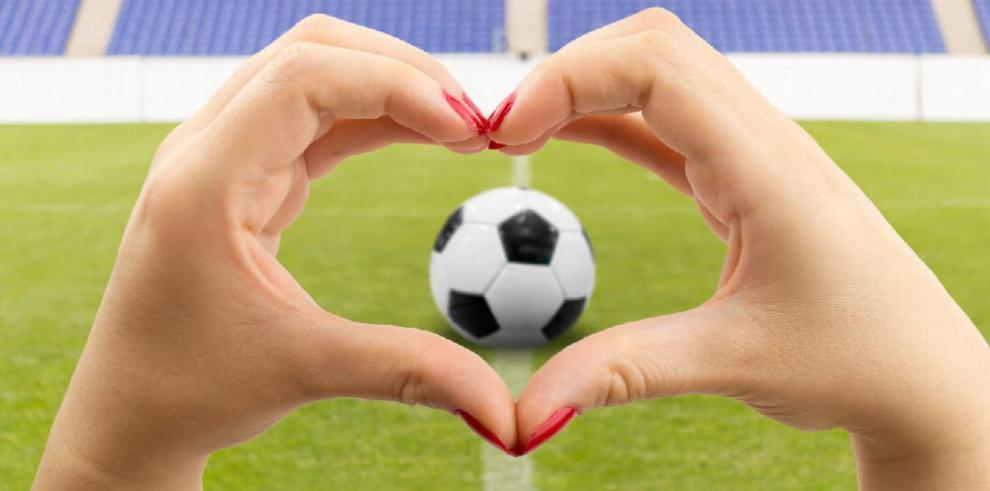 La 'fiebre femenina' por el fútbol es ya universal
