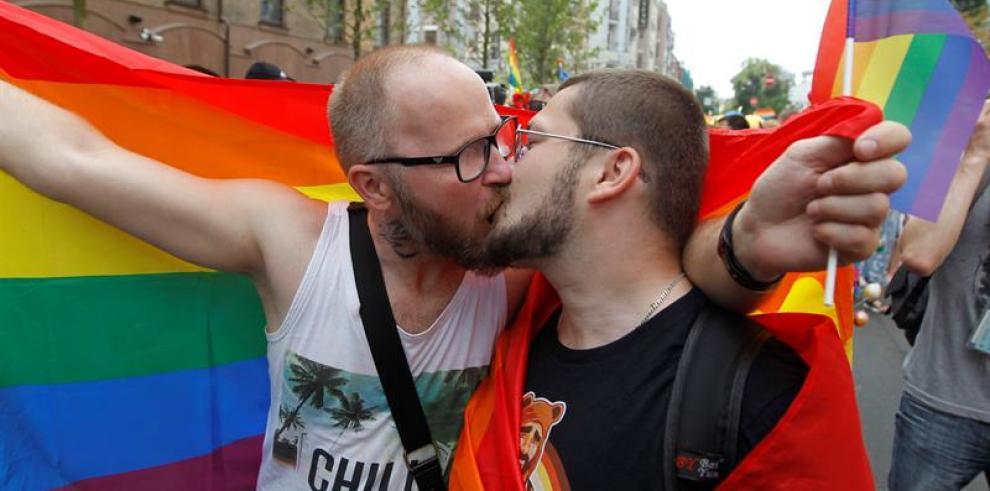 Nueva York conmemora los 50 años de las revueltas del bar gay Stonewall
