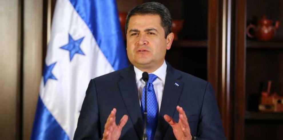 Presidente de Honduras: no pasarán quienes quieren poner de rodillas al país