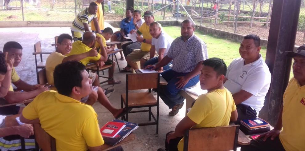 Inician cursos del Inadeh en el centro penitenciario de Bocas del Toro
