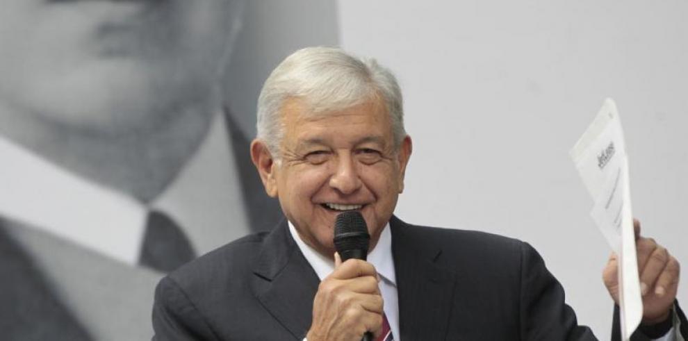 Presidente de México asegura que no ve amenaza de recesión económica