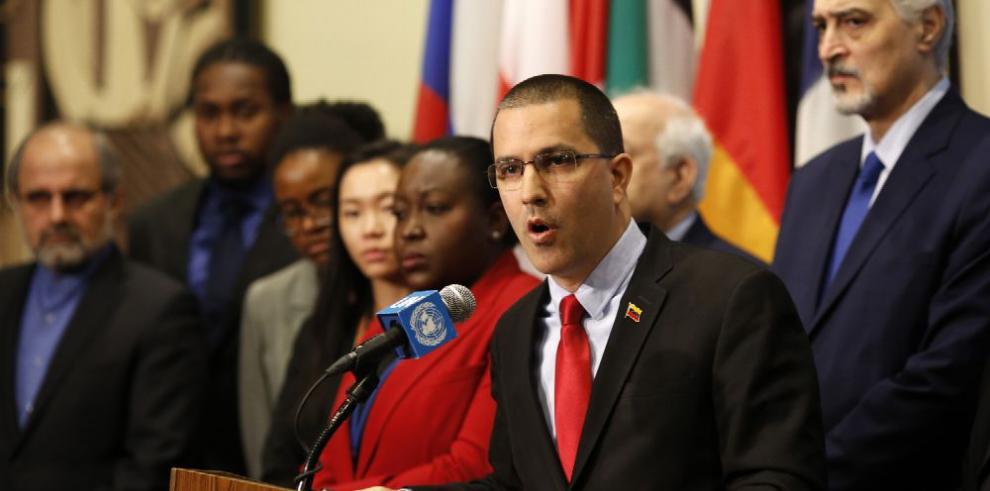 Caracas revela 'reunión' con enviados de Trump
