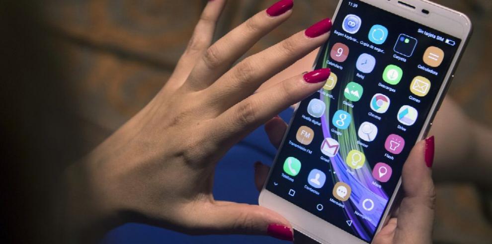 El celular, la 'tercera mano' de los nativos digitales