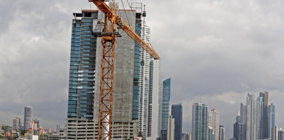 Capac y Gobierno comparten preocupación por fortalecer sector construcción