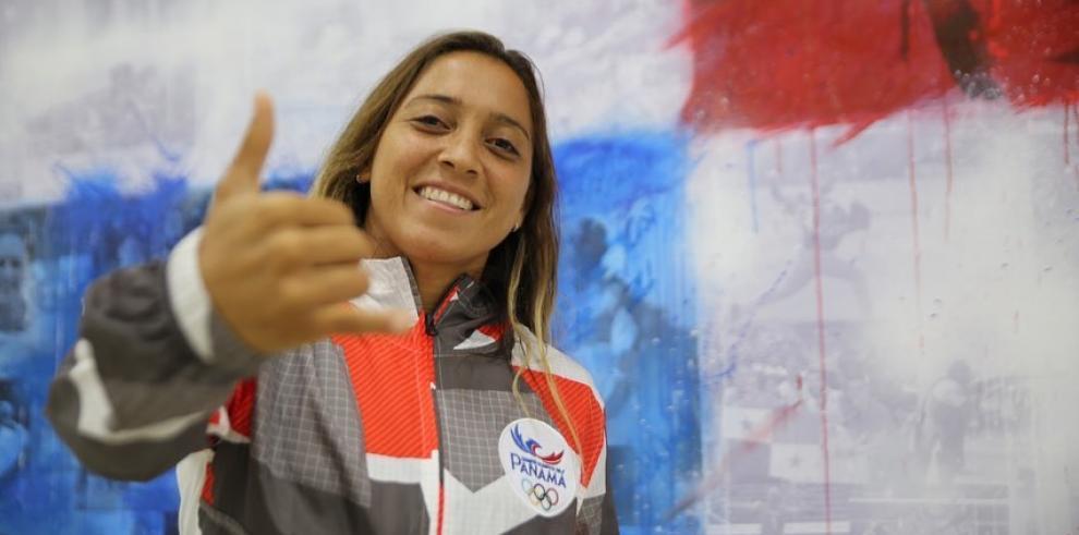 Una renuncia abre las puertas a la surfista panameña Samanta Alonso
