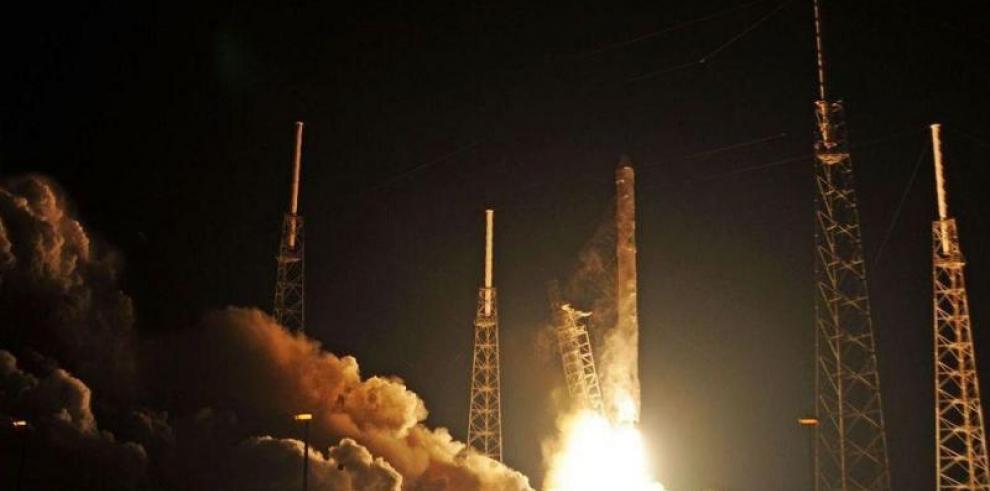 SpaceX, más cerca del hito de los vuelos tripulados comerciales al espacio