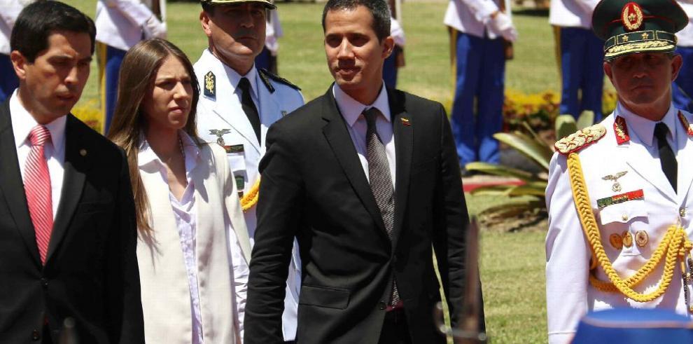 Guaidó afianza respaldos en Sudamérica tras fracaso con 'ayuda humanitaria'