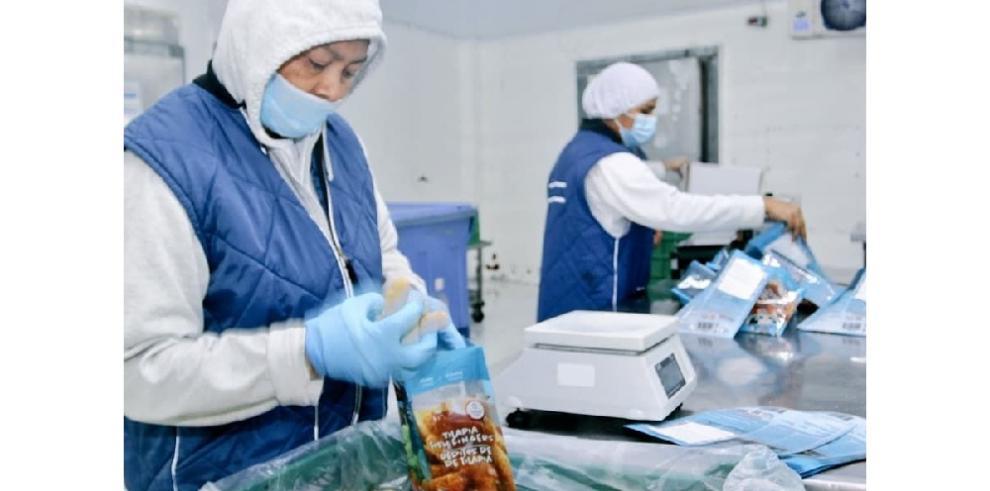 Envían a Colombia 1,210 cajas de recursos marinos procesados con Panamá Exporta