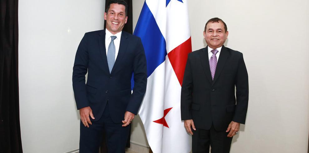 Francisco Torres toma posesión como nuevo embajador de Panamá en Haití
