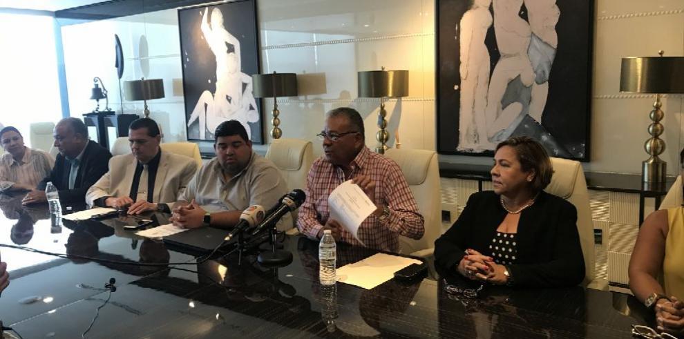 Enfrentamiento por candidatura de Ricardo Martinelli