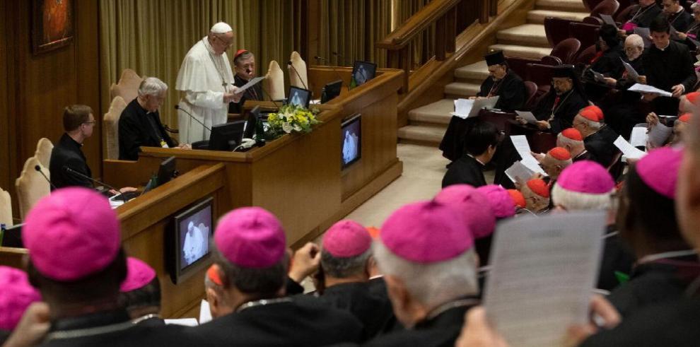 Vaticano se queda corto al abordar abusos
