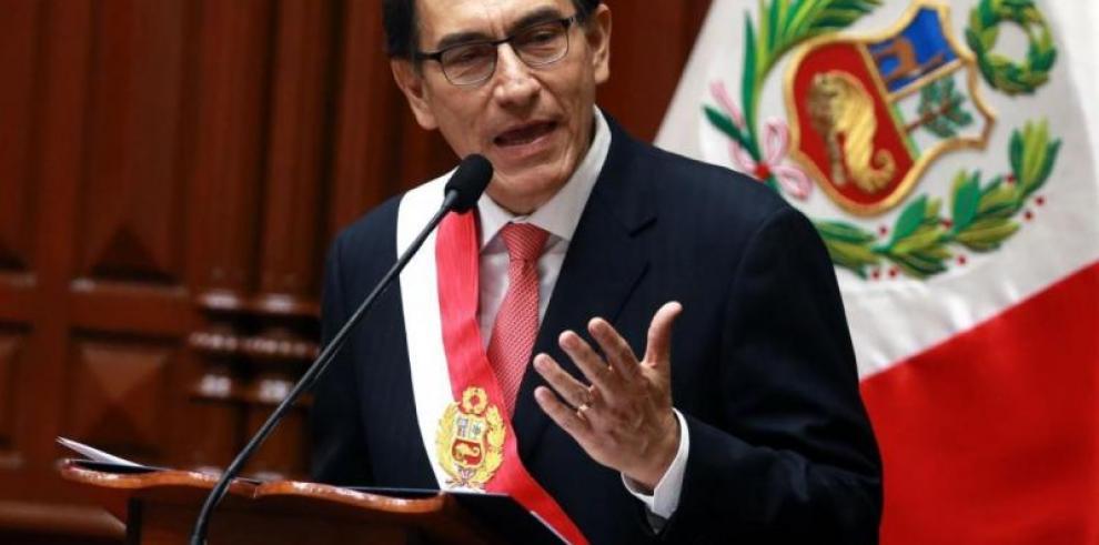 Presidente de Perú descarta vínculos de su empresa con Odebrecht