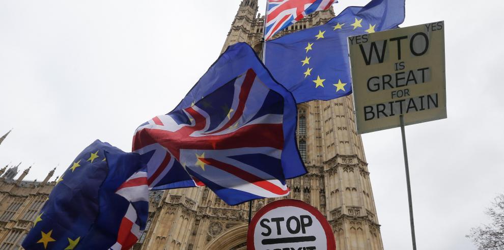 El Parlamento británico rechaza el acuerdo del