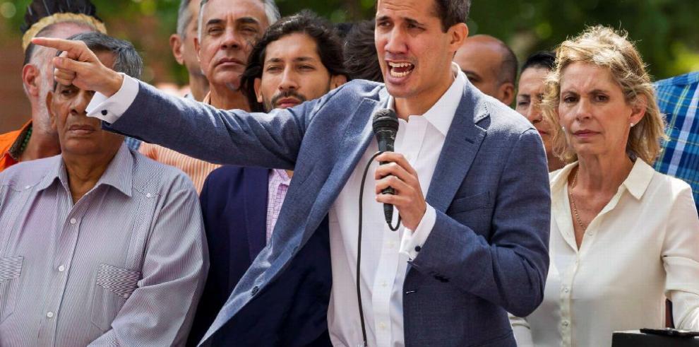 Guaidó pide el apoyo militar y extranjero para sacar a Maduro