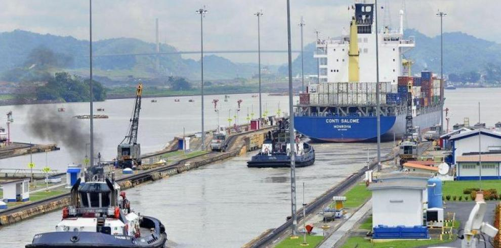 Un herido en esclusa ampliada del Canal de Panamá durante tránsito de buque