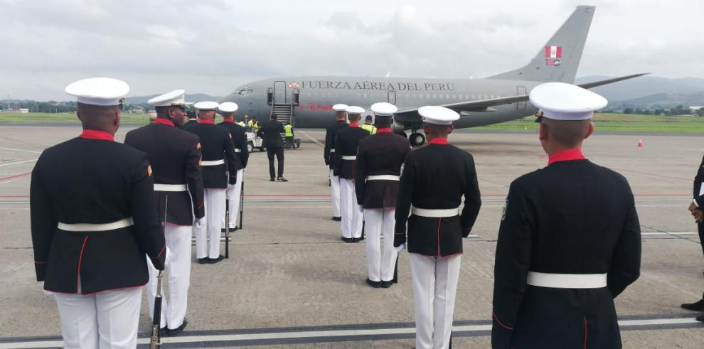 Presidente peruano llega a Panamá para participar en investidura de Cortizo