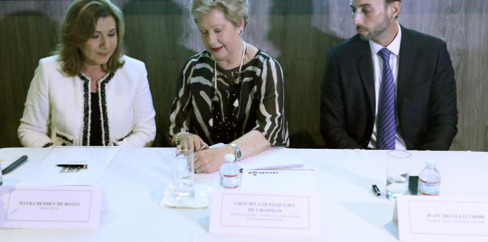 Graciela Quelquejeu de Chapman, 'una tertulia con sabor francés, que quisiéramos continuar'