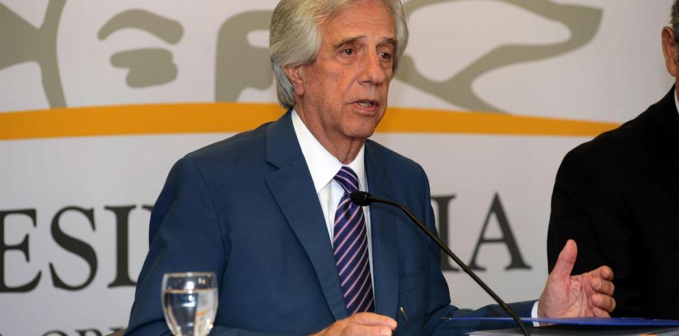 Presidente de Uruguay asume responsabilidad de omitir confesión de exmilitar