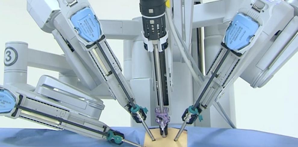 Especialistas apuestan a cirugía robótica para optimizar la salud en México
