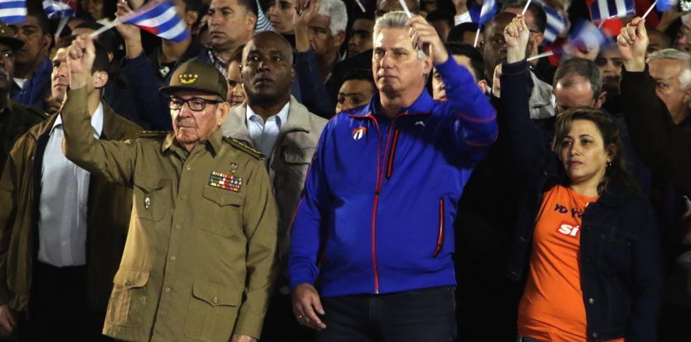 Castro aparece en público por segunda vez este año tras tornado en La Habana