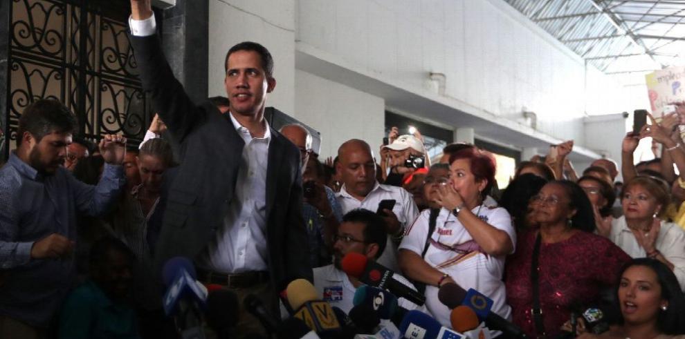 El misterio del vuelo 254 y del itinerario del presidente encargado Juan Guaidó