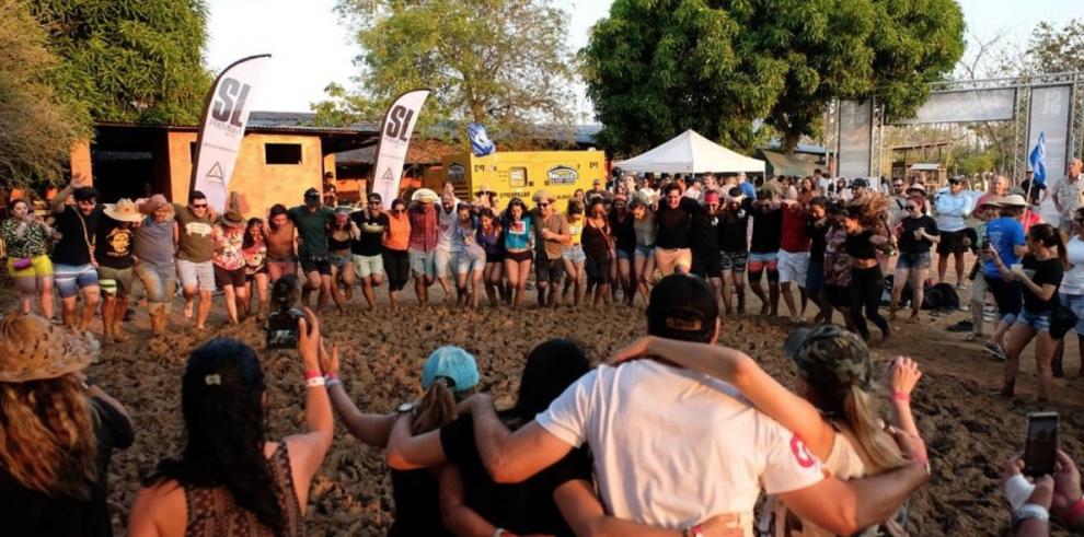 Pedasí se estremeció por el Barro Fest