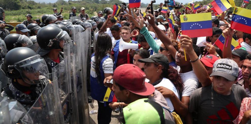 La batalla por la ayuda a Venezuela
