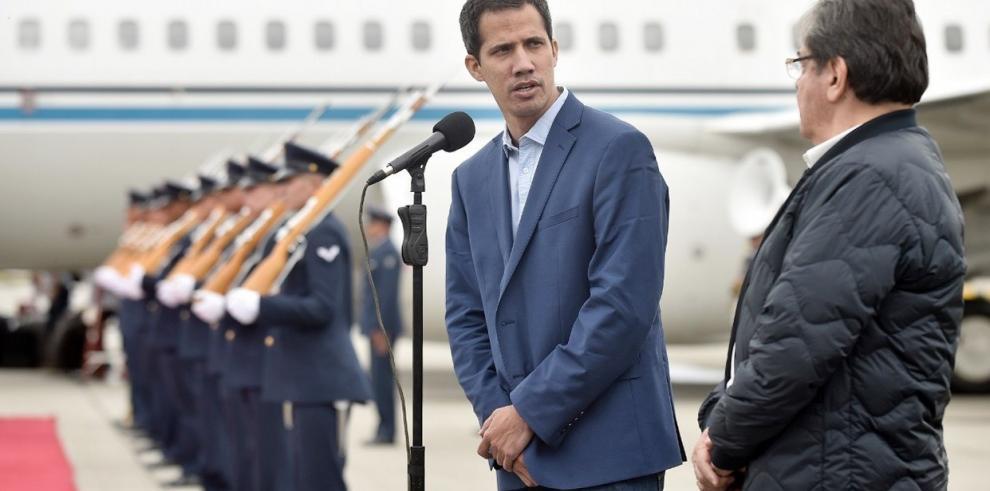 Guaidó llega a Bogotá para asistir a cumbre del Grupo de Lima sobre Venezuela