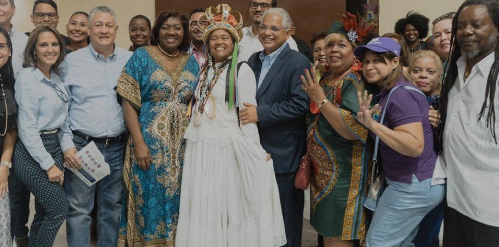 Blandón se compromete a proteger la identidad de los afropanameños