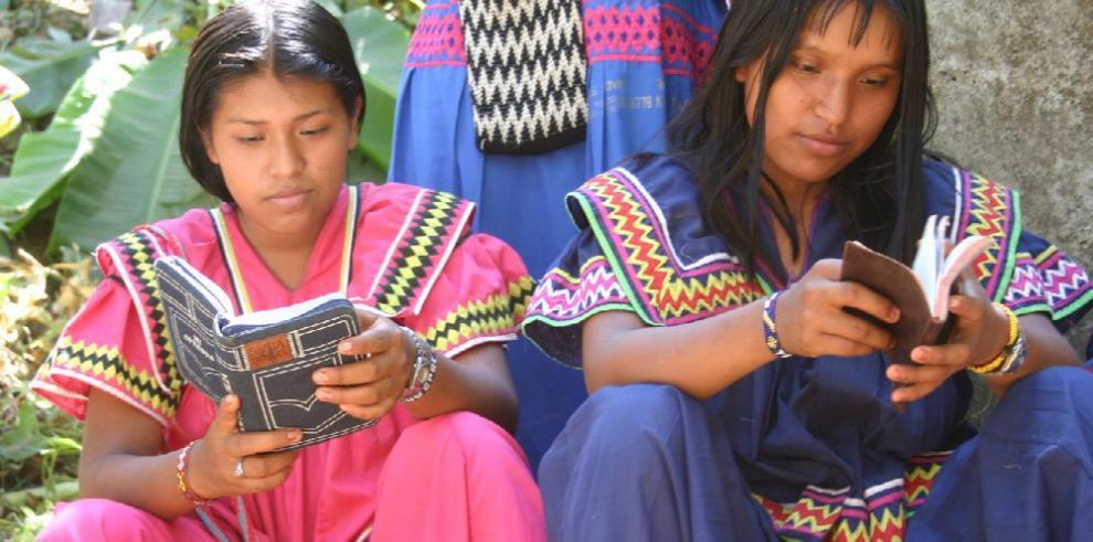 Madres indígenas que guían en la ciudad