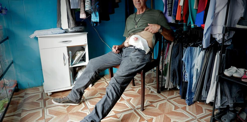 La cirugía de Bolsonaro, un lujo para muchos brasileños