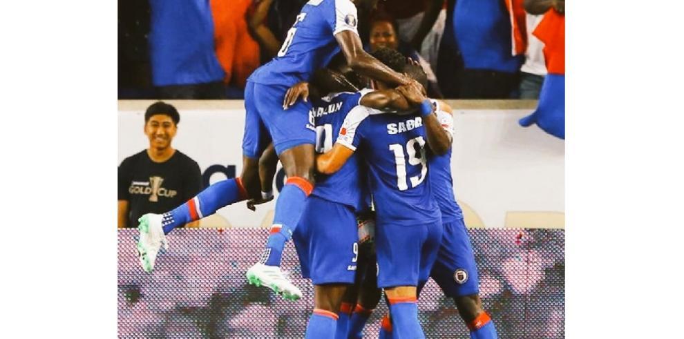 Haití remonta dos goles, vence a Canadá y jugará sus primeras semifinales
