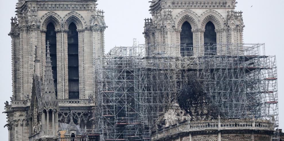 El mundo, conmocionado por el incendio en la catedral de Notre Dame