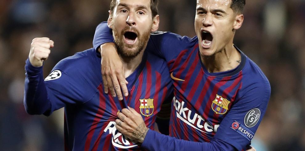 Un doblete de Messi acerca al Barcelona a semifinales al descanso