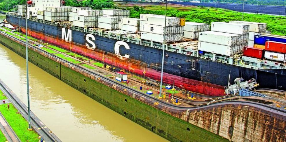 Promedio de tránsitos neopanamax alcanza los 7.5 buques diarios