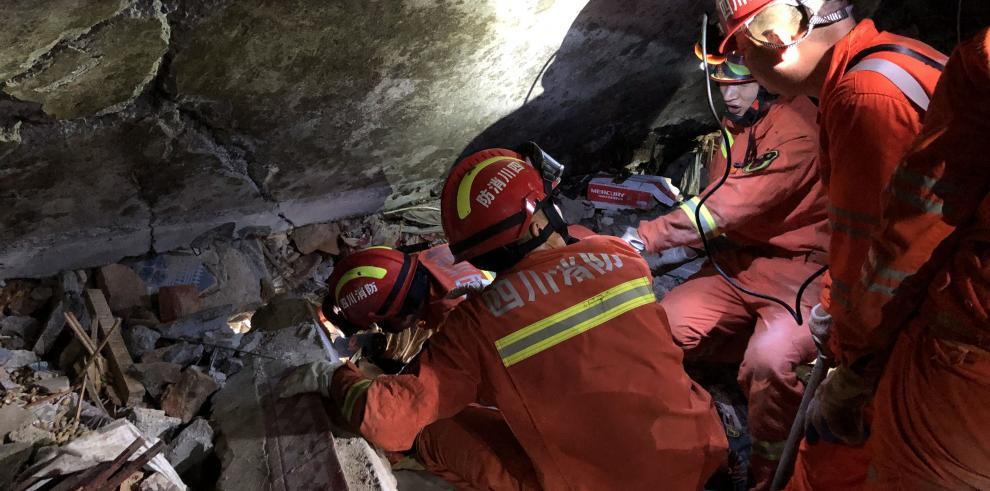 Once muertos por terremoto en suroeste de China