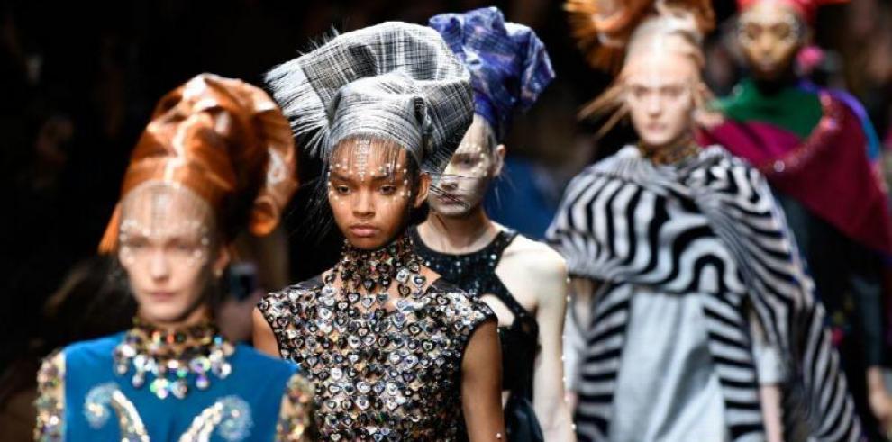 París acoge los desfiles de verano para un hombre a la moda y sin complejos