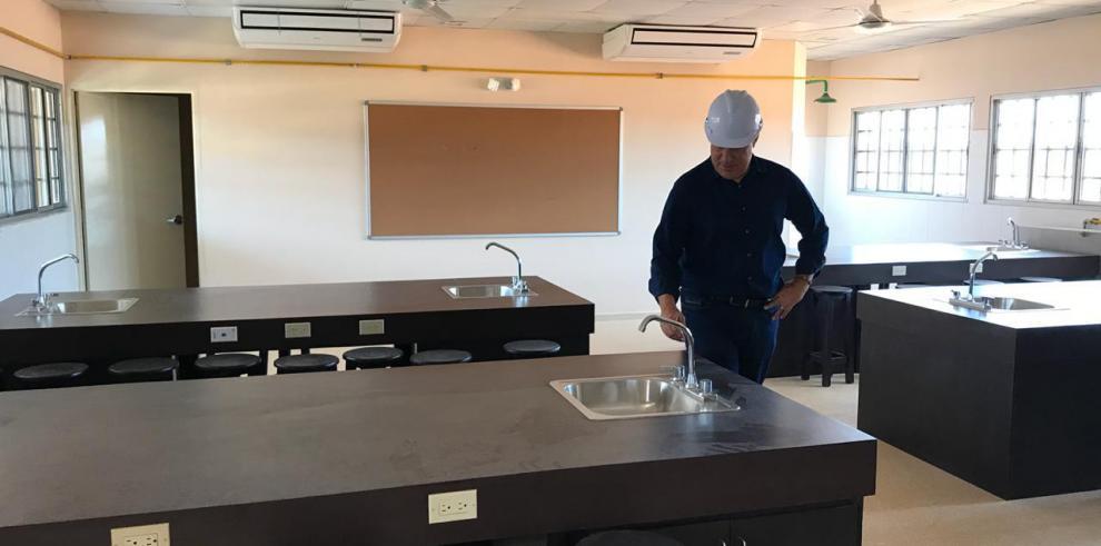 Varela inspecciona obras en Veraguas