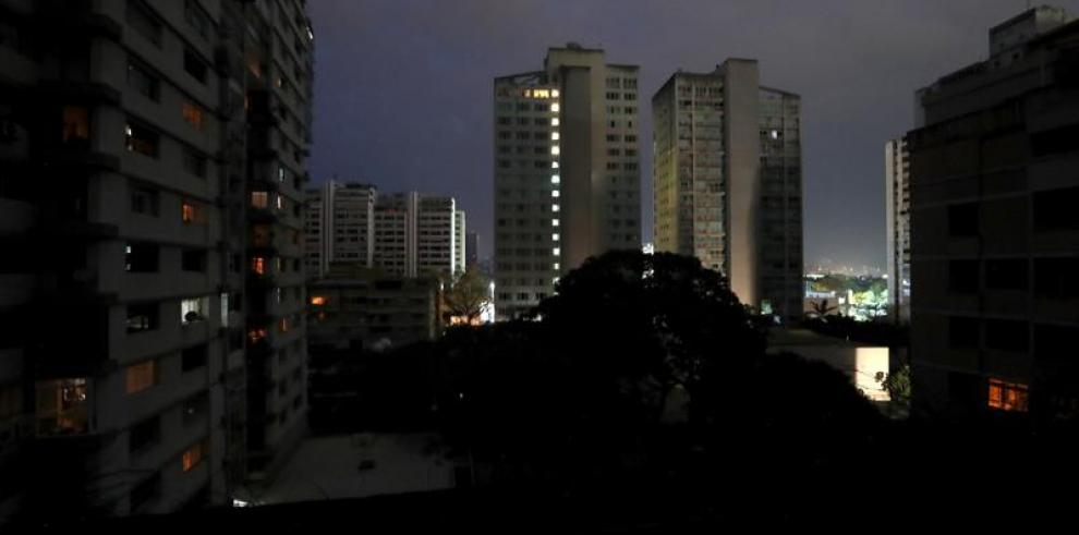 Venezuela sufre un nuevo apagón en al menos 11 estados y la capital