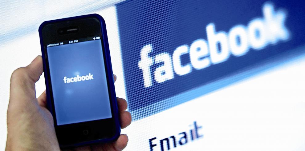 Gobierno de EEUU demanda a Facebook por discriminar en anuncios inmobiliarios
