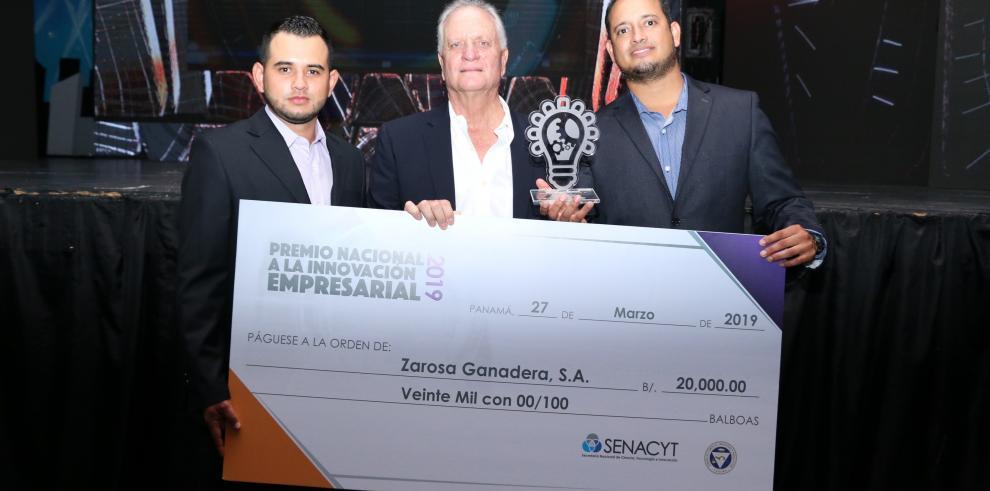 Primera terminal de gas natural licuado en Centroamérica gana premio de innovación empresarial