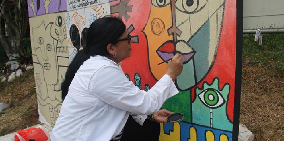 Restauran pintura de mural alusivo a las personas con discapacidad