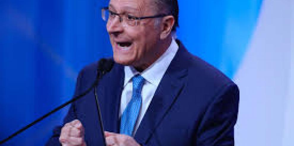 Embargan bienes a excandidato presidencial en Brasil por el caso Odebrecht